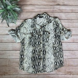 Tops - loose oversized snakeskin print button top